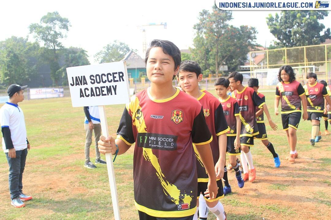 Bom Waktu di Laga Stoni Indonesia vs Java Soccer Academy