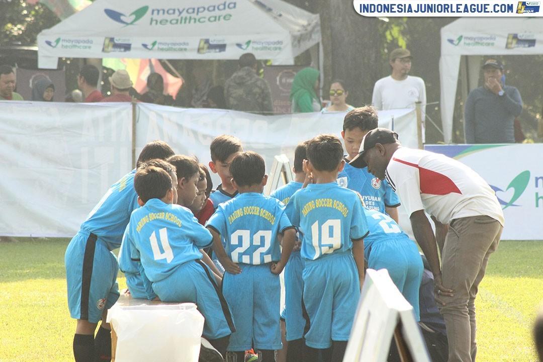 """Tahu Iwul, """"Doping"""" Berbalut Kearifan Lokal untuk Parung Soccer School"""