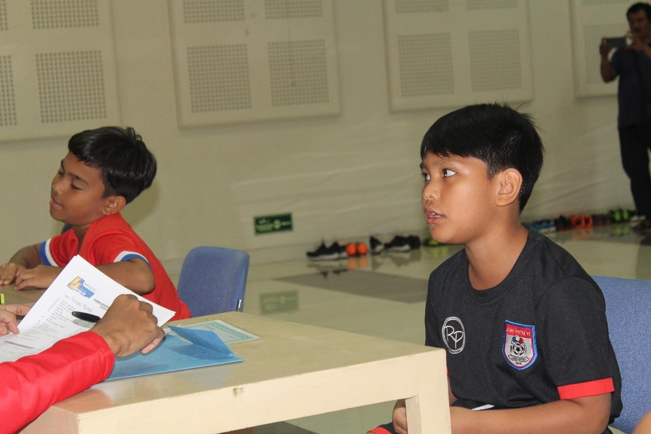 Mentalitas King Serafim Junior Simanjuntak Buat  Pelatih Kiper Gelora Poetra Angkat Topi