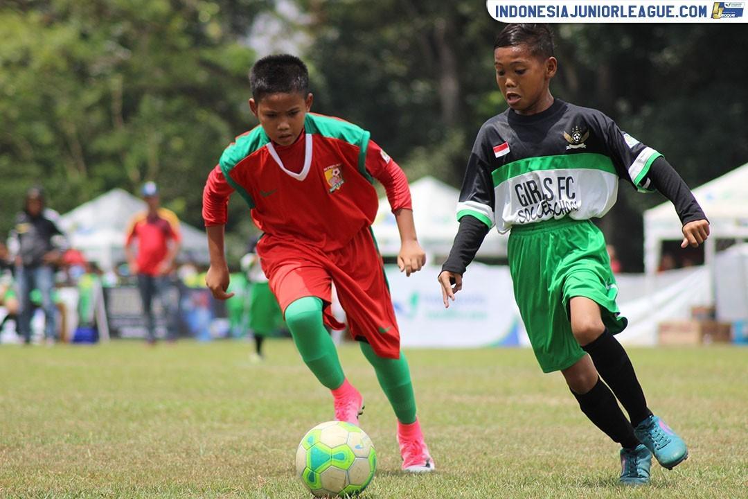Ikatan Erat Keluarga Besar Giras FC Jadi Pelipur Lara untuk Dzofar Nahibul