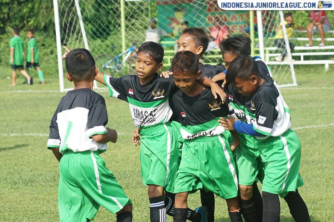 Bukber ala Si Pitung, Dari Kerang Hijau Sampai Final Liga Champions