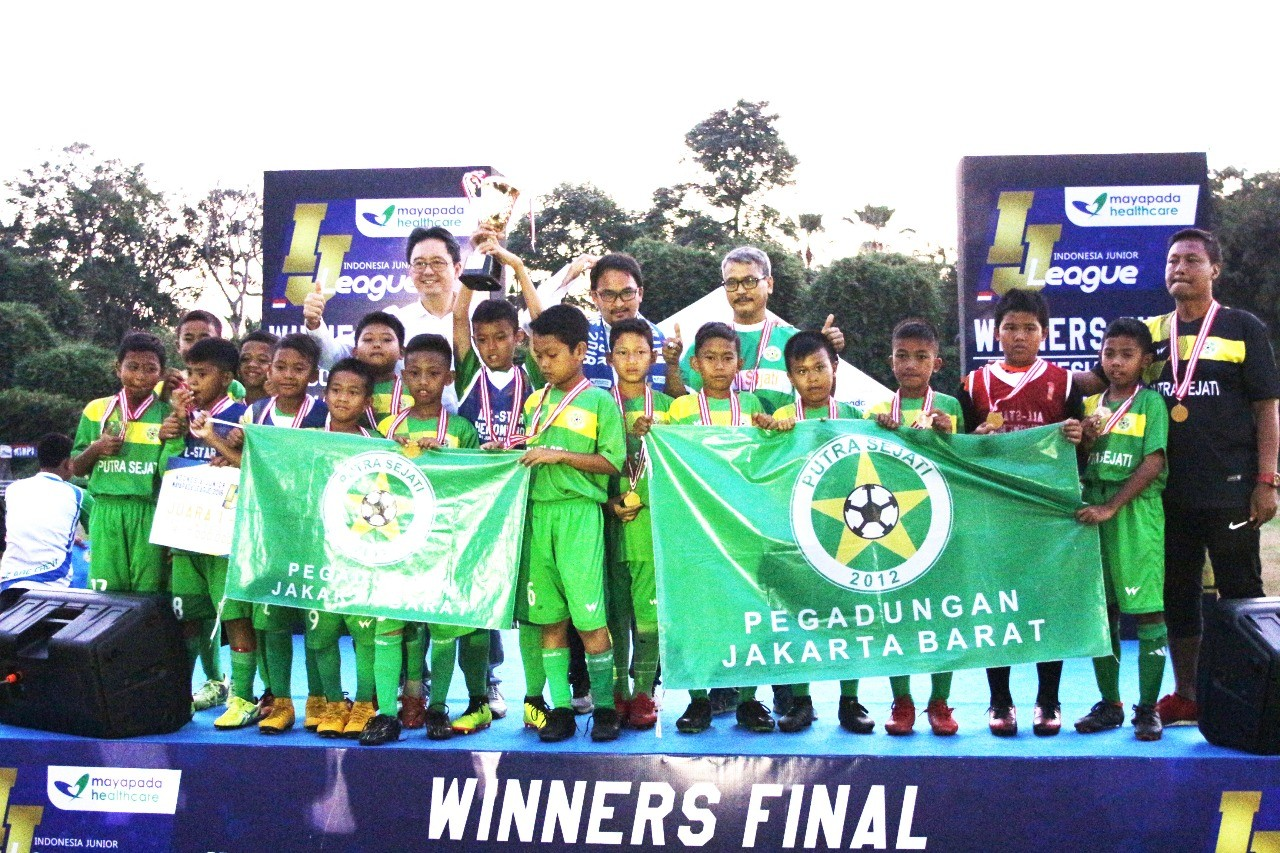 Dua Gol M Isfandyar Antar Putra Sejati U-11 ke Puncak Juara IJL Mayapada 2018
